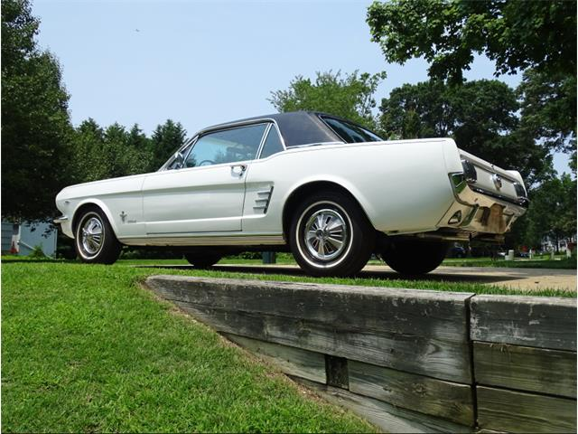 1966 Ford Mustang | 889597