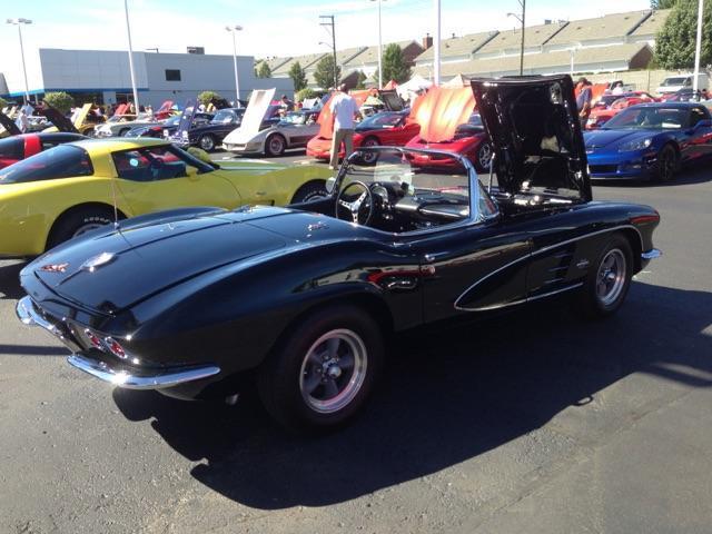 1961 Chevrolet Corvette | 889618