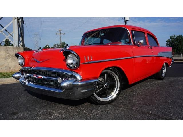 1957 CHEVROLET BEL AIR CUSTOM RESTOMOD | 889663