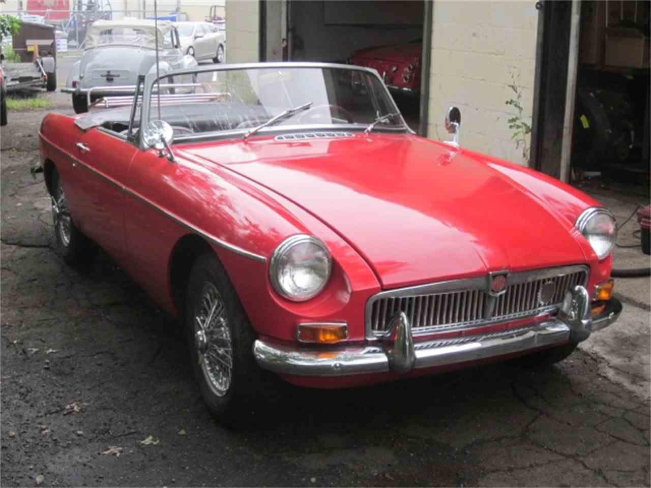 Large Picture of '67 MGB - J2IP