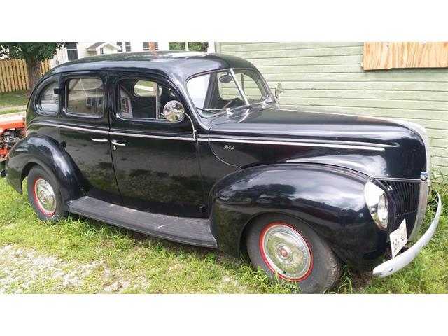 1940 Ford Sedan | 889778