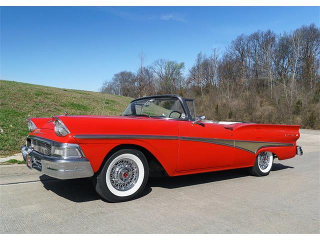 1958 Ford Skyliner | 889875