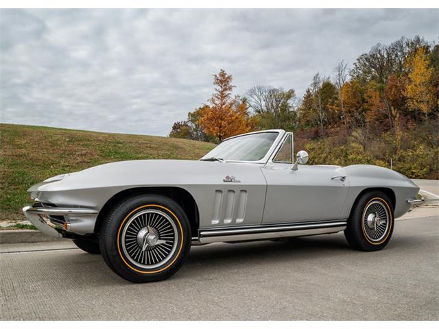 1965 Chevrolet Corvette | 889890
