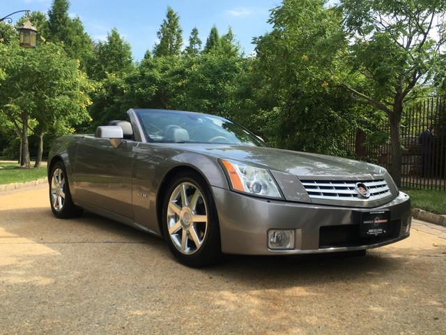 2005 Cadillac XLR | 891206