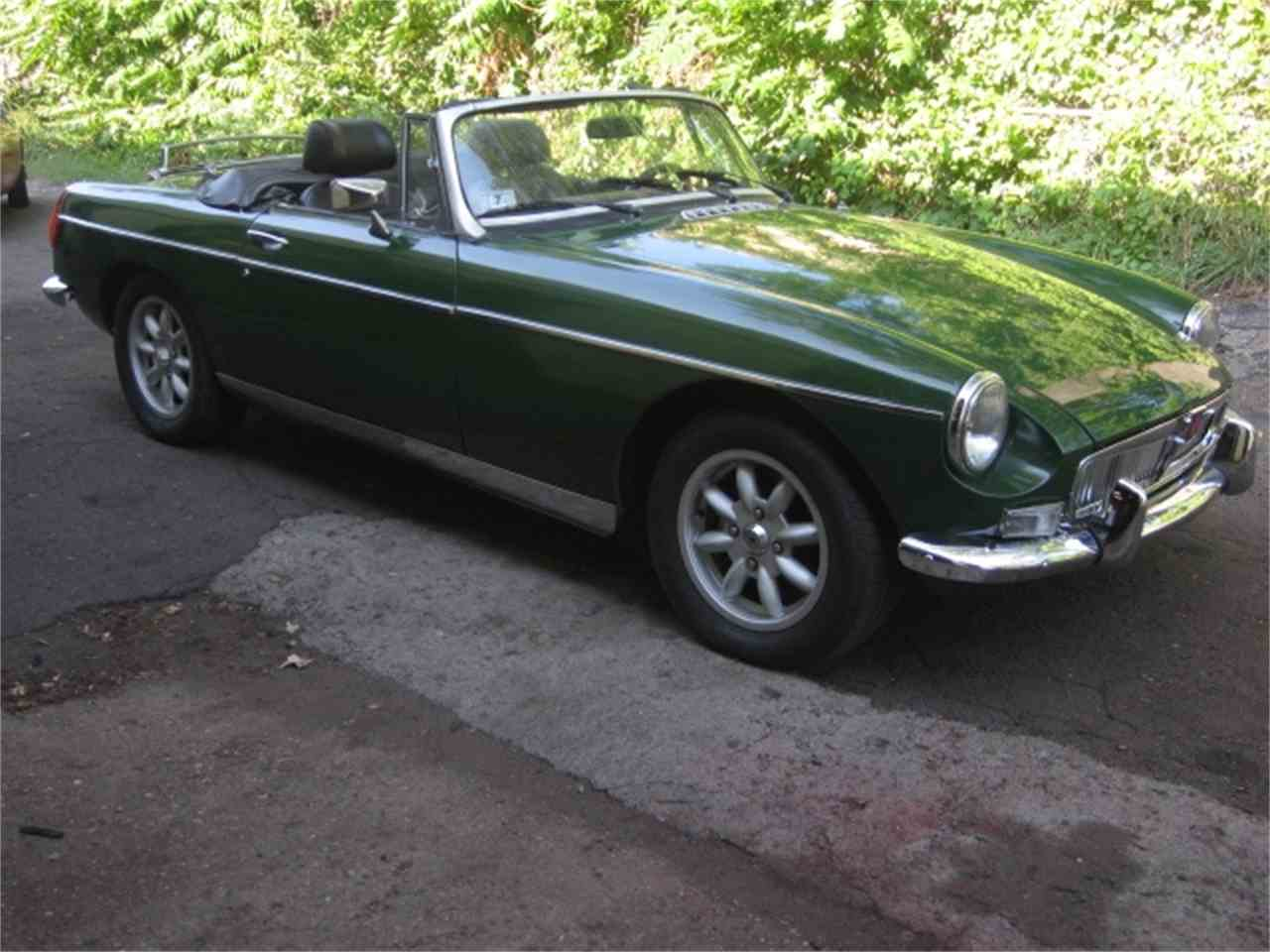 Large Picture of '76 MGB - J3Q7
