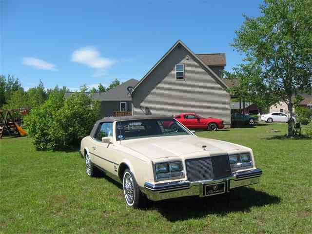 1985 Buick Riviera | 891329