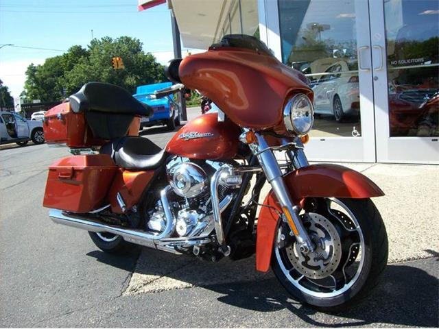 2011 Harley-Davidson Street Glide | 891674