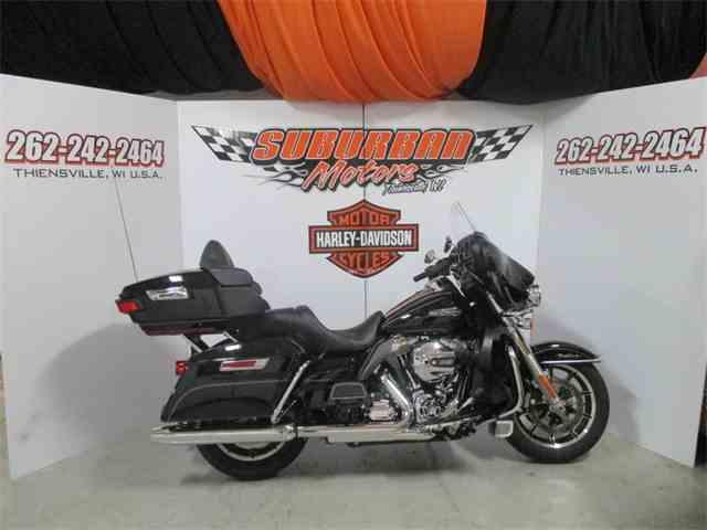 2015 Harley-Davidson® FLHTCU - Electra Glide® Ultra Classic® | 892001