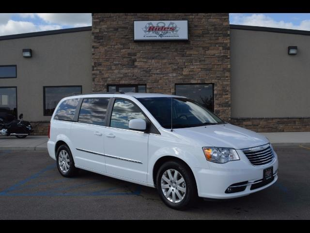 2016 Chrysler Town & Country   892072