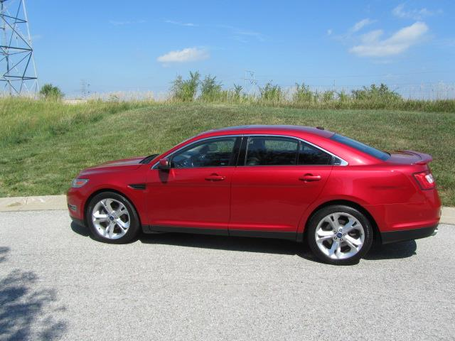 2010 Ford Taurus | 892352
