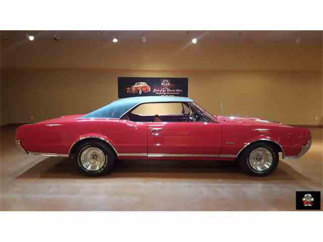 1967 Oldsmobile Cutlass Supreme | 892784