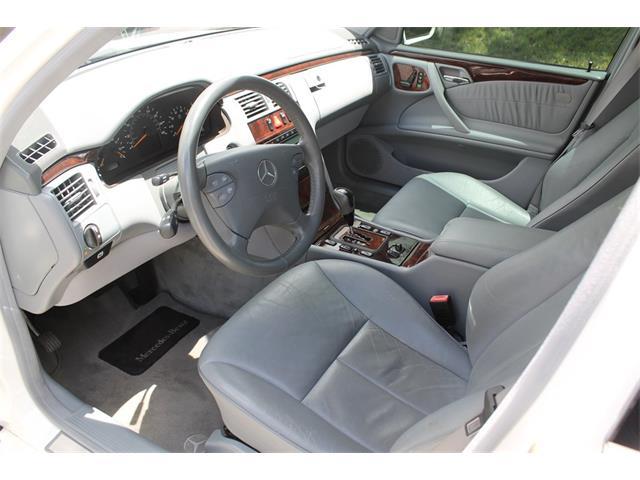 2001 Mercedes-Benz E-Class | 893370