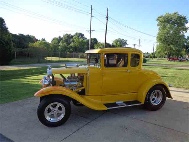 1930 Ford 5-Window Coupe | 893590