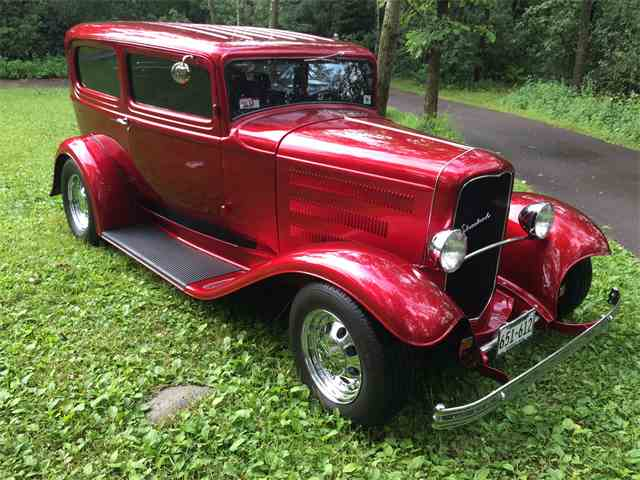 1932 Ford Sedan | 893629