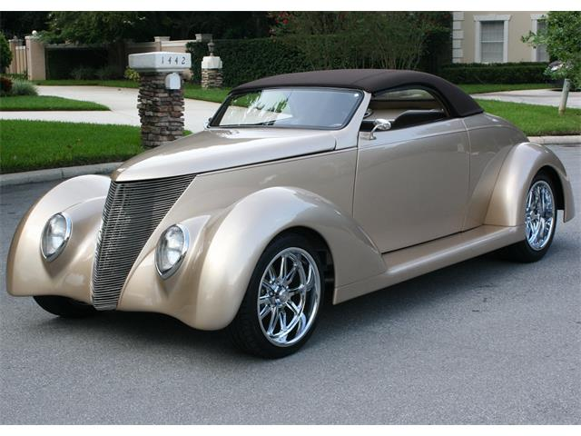 1937 Ford Roadster | 893634