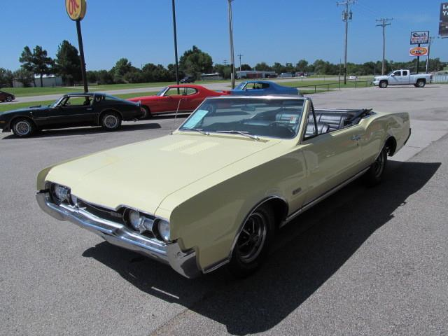 1967 Oldsmobile Cutlass | 893700