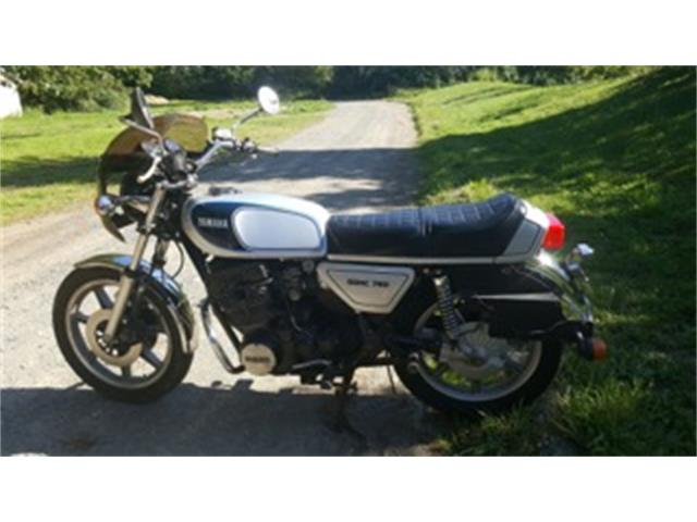 1977 Yamaha XS750    894007
