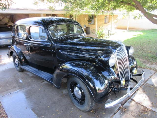 1937 Plymouth Deluxe | 894035