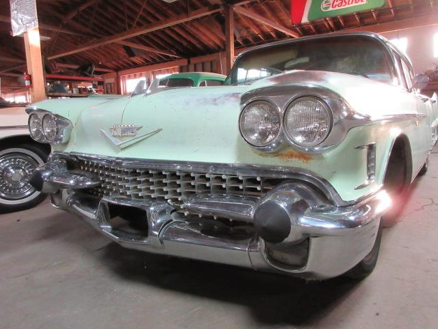 1958 Cadillac 4drht | 894045