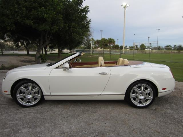 2011 Bentley Continental GTC | 894080