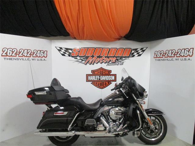 2015 Harley-Davidson® FLHTCU - Electra Glide® Ultra Classic® | 894205