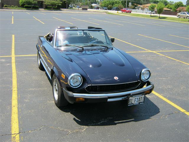 1981 Fiat 2000 Spider | 894384