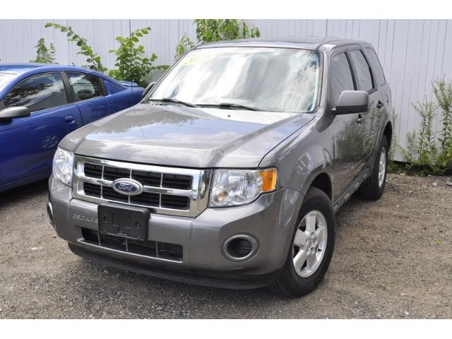 2010 Ford Escape | 894406