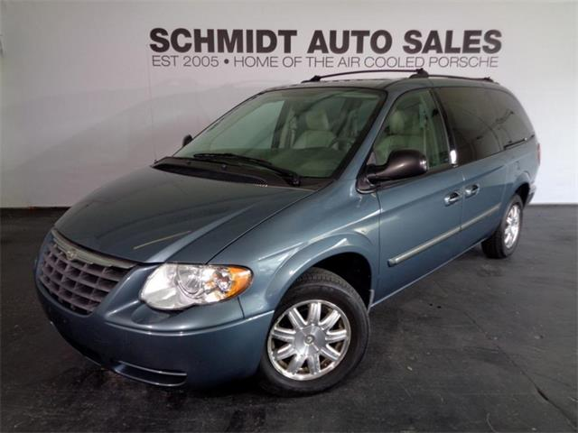2006 Chrysler Town & Country | 894472