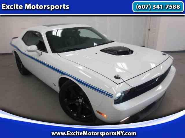 2014 Dodge Challenger | 894584