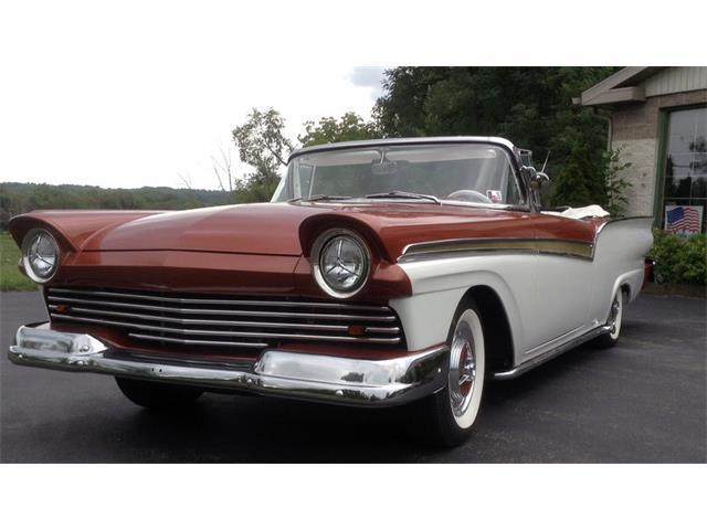 1957 Ford Fairlane Sunliner | 894623