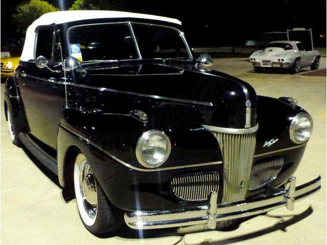 1941 Ford Convertible | 894700