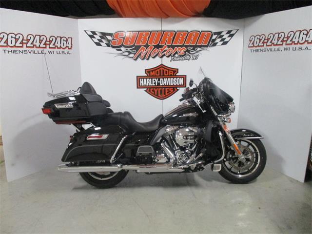 2015 Harley-Davidson® FLHTCU - Electra Glide® Ultra Classic® | 890474