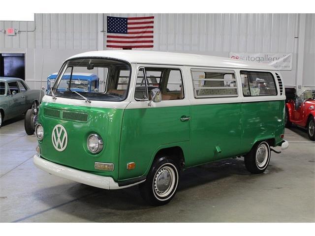 1971 Volkswagen Bus | 894761