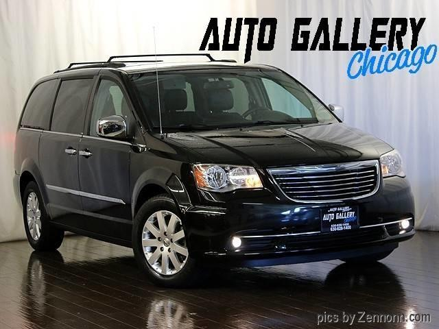 2012 Chrysler Town & Country | 894824