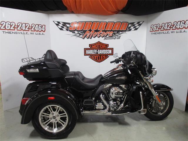 2015 Harley-Davidson® FLHTCUTG - Tri-Glide® Ultra | 894835