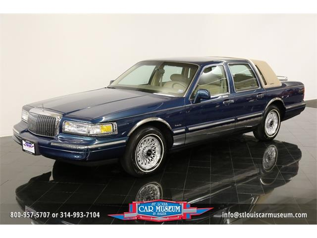 1997 Lincoln Town Car Executive Series | 895169