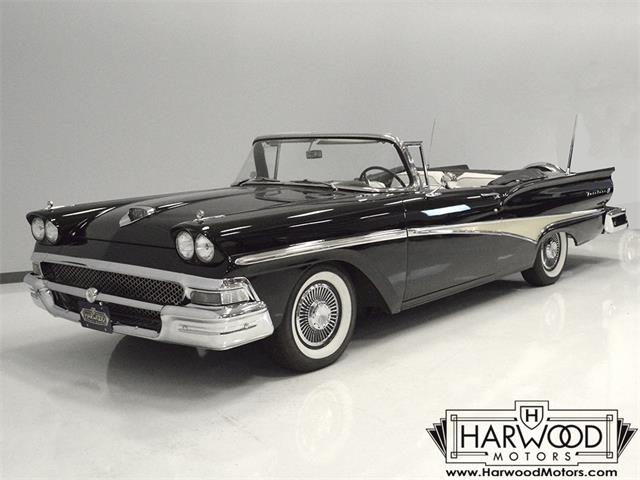 1958 Ford Fairlane 500 | 895314