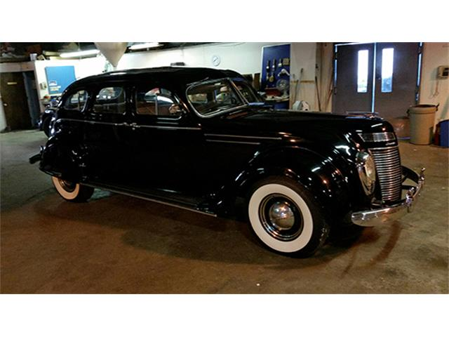 1937 Chrysler Airflow C-17 Sedan | 895525