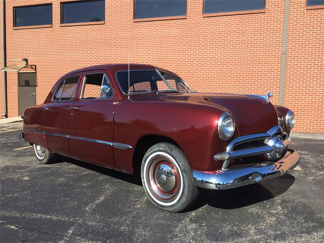 1949 Ford Four-door Custom Sedan | 895556