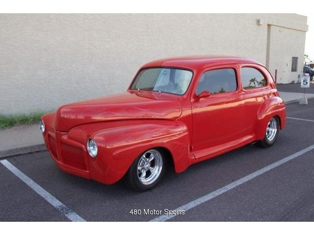 1942 Ford Sedan | 895574