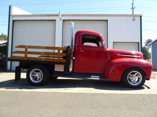 1946 Ford Flatbed Pickup Truck | 895953