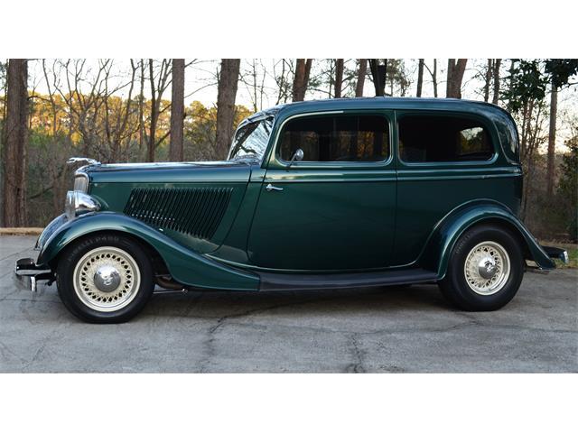 1933 Ford Tudor | 896165