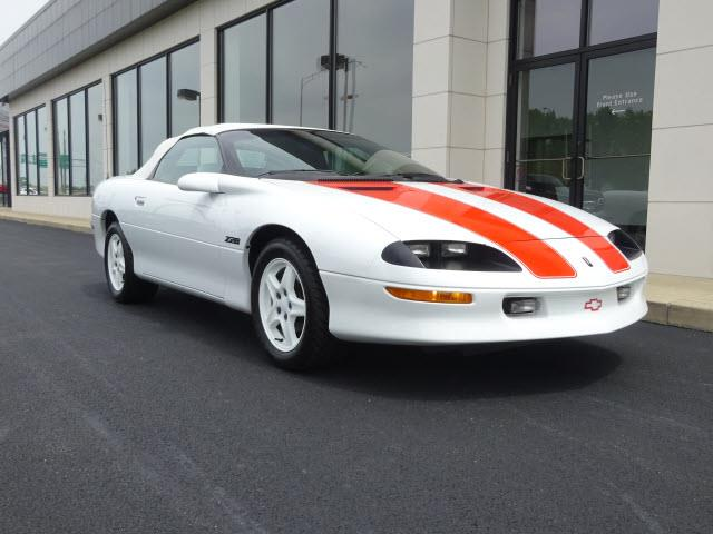 1997 Chevrolet Camaro | 896327
