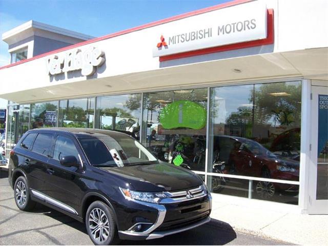 2016 Mitsubishi Outlander | 896373