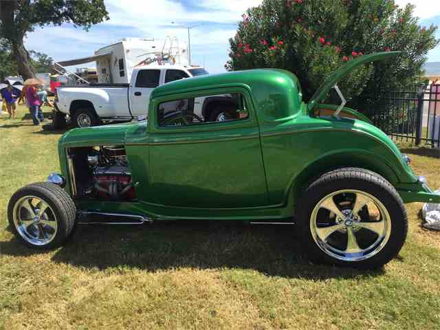 1932 Ford Coupe | 897087
