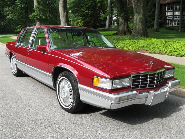 1993 Cadillac Sedan DeVille | 897119