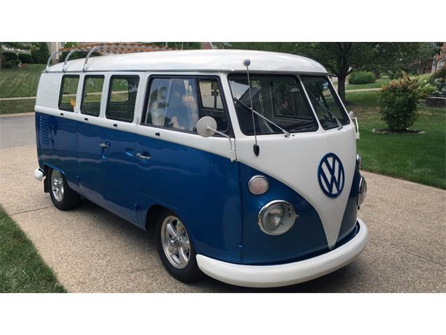 1965 Volkswagen Bus | 897134