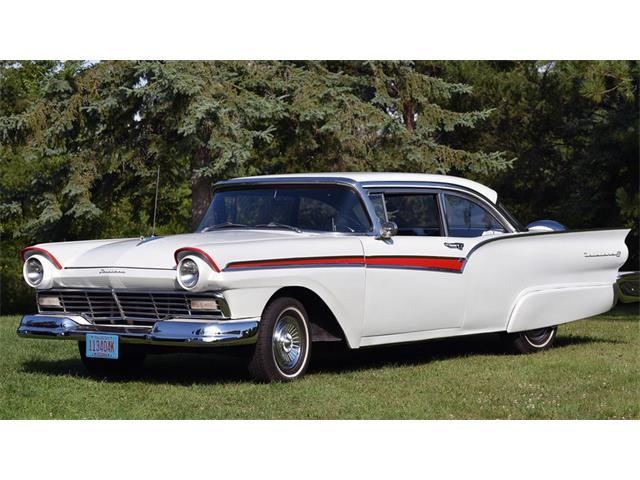 1957 Ford Fairlane | 897139