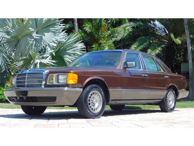 1982 Mercedes-Benz 300SD   897142