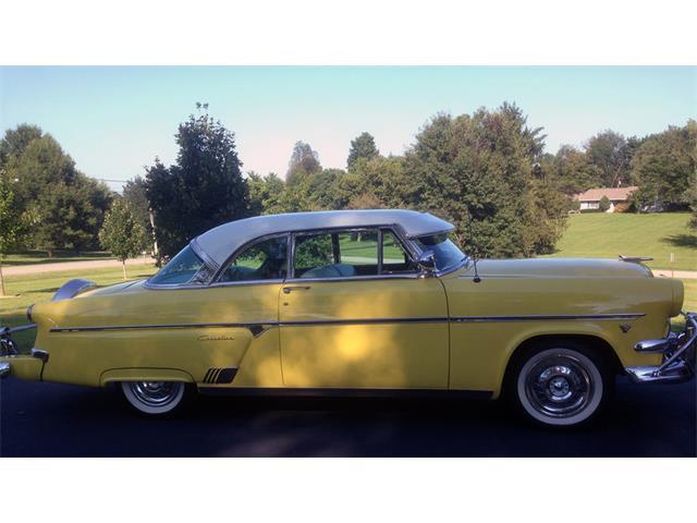 1954 Ford Crestline   897146